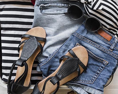 Come abbinare gli occhiali da sole al tuo outfit